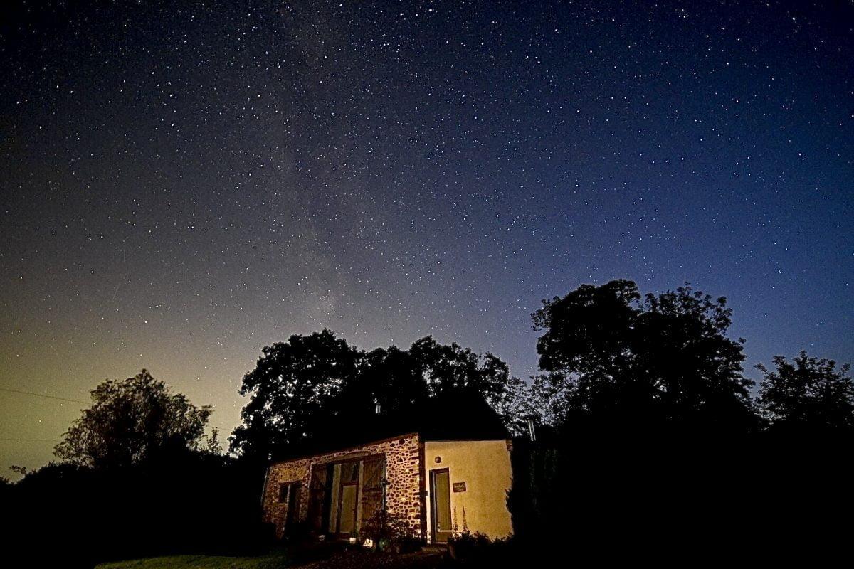 Llwynbwch Barn under the Milky Way