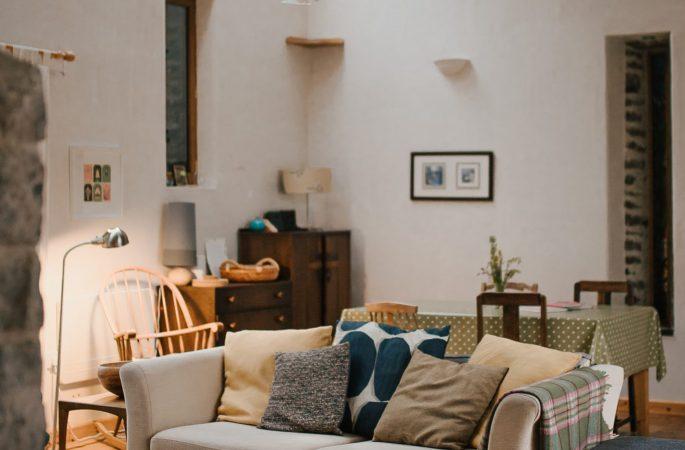 Llwynbwch Barn, living room
