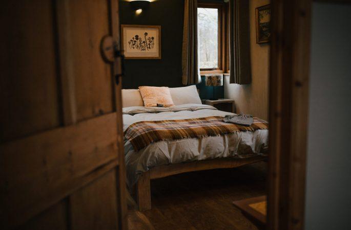 Llwynbwch Barn, main bedroom